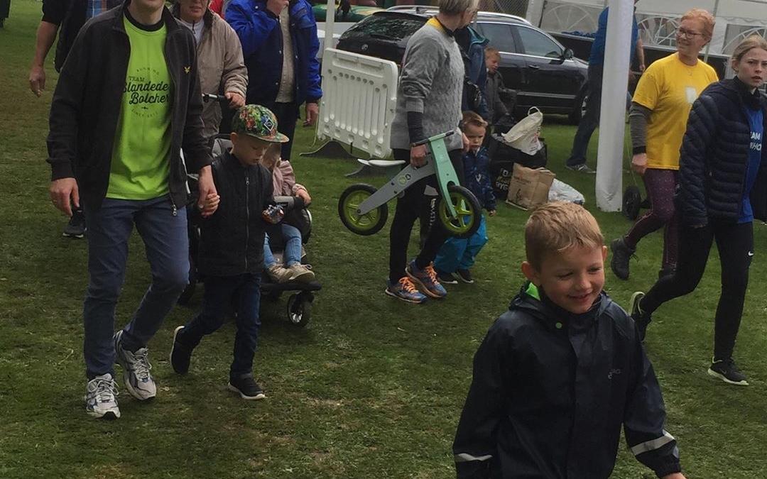 Igen i år stillede Team Blandede Bolcher op til Stafet for Livet i #esbjerg til fordel for Kræftens Bekæmpelse. Vi bakkede op som rundesponsor og sender en stor high five i de seje deltageres retning✋Godt gået!!!😃🏃♀️🏃♂️ Holdet stillede med 52 deltagere i alle aldre, og der blev gået/løbet/trillet 2125 runder (=850 km.) på de 24 timer stafetten var i gang. #LivetErForKortTil ligegyldighed #stafetforlivet  #stafetforlivetesbjerg #c2it