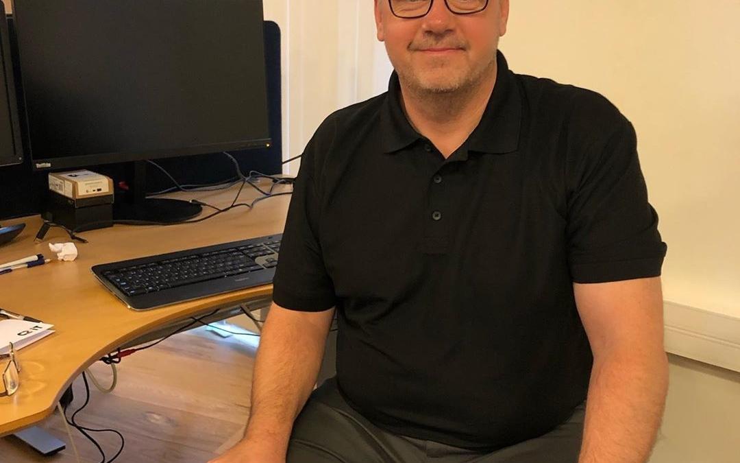 Så har vi taget hul på en ny måned, og vi siger igen VELKOMMEN til et par nye ansigter🙂🙂 Her er det Niels Nissum, der er startet som supportchef i vores Microsoft Dynamics 365 forretning. Niels har mange års erfaring som ansvarlig for support i en dansk butikskæde, hvor han udover telefonisk support til mere end 100 butikker, også har undervist, installeret og implementeret løsninger i nye butikker – herunder Business Central SaaS.  Vi er glade for at have fået Niels med i teamet og dermed yderligere styrket support og service til vores mange Dynamics 365 kunder💪🆘 #businesscentral #nav #dynamics #microsoftdynamicsnav #erp #c2it #welcome #microsoftdynamics365 #dynamics365