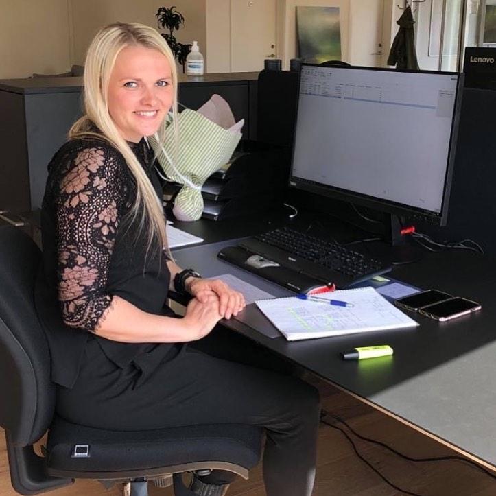 Her et VELKOMMEN tilbage til Julie Krarup Christensen, der er startet som regnskabsmedarbejder. Vi har tidligere haft fornøjelsen af Julie som studentermedhjælper, og efter endt studie og et par år som indkøber er Julie nu tilbage hos C2IT 🙂  #c2it #welcome