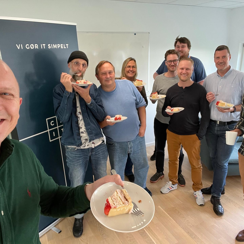 C2IT 18 år!!! Dét fejrer vi i dag med kage (og kørekort) i Ballerup, Aarhus, Kolding, Herning og på Nørrebro🥳🇩🇰🇩🇰🇩🇰🇩🇰🇩🇰🇩🇰🇩🇰🇩🇰🇩🇰🇩🇰🇩🇰🇩🇰🇩🇰🇩🇰🇩🇰🇩🇰🇩🇰🇩🇰 God weekend #LivetErForKortTil kedelige arbejdspladser #congratulations